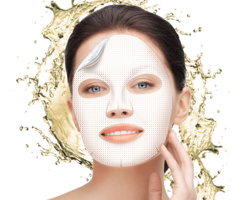 Revitalizing hydrogel mask with champagne